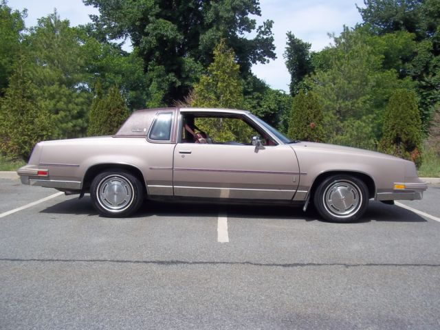 1984 Oldsmobile Cutlass 442 REGAL GRAND NATIONAL T TYPE GBODY