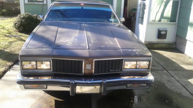 What are the specifications of a 1984 Oldsmobile Delta 88?