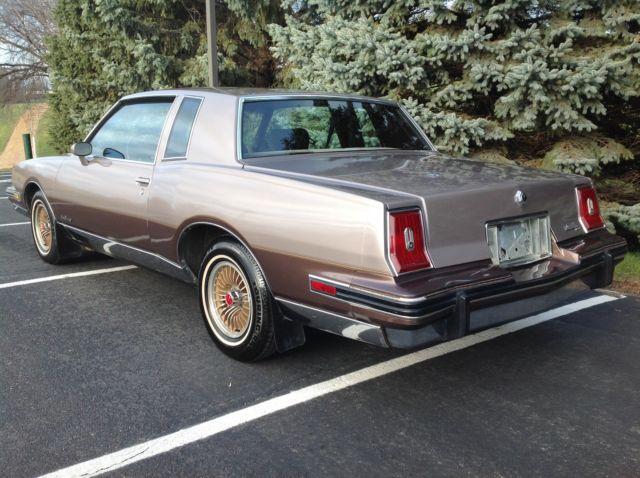 1984 pontiac grand prix le coupe 2 door 5 0l for sale photos technical specifications description. Black Bedroom Furniture Sets. Home Design Ideas