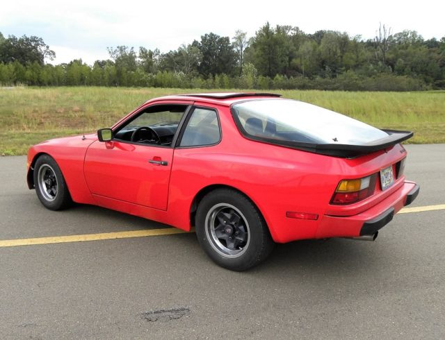 1984 Porsche 944 Base Coupe 2-Door