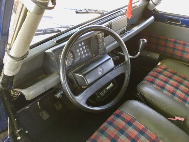 1980 Blue Renault 4L SUV Wagon with Blue/Plaid interior