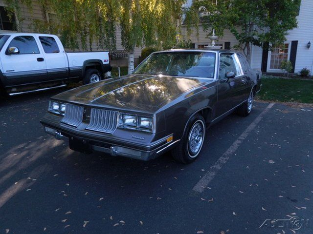 1984 Oldsmobile Cutlass Supreme