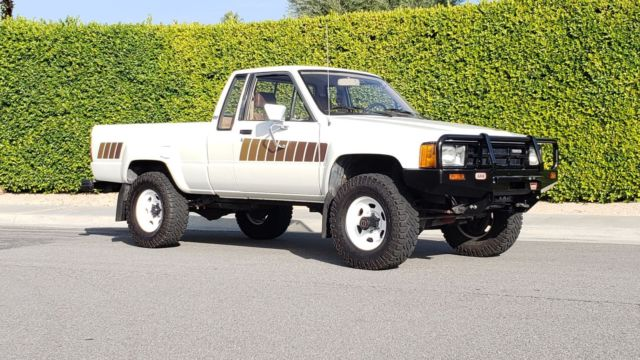 1984 Toyota Extra cab Pickup 4x4 Free shipping with BUY IT NOW!