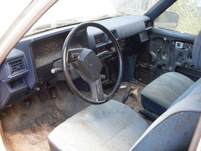 1984 multible Toyota DELUX Xtra cab Pickup Truck with Blue interior
