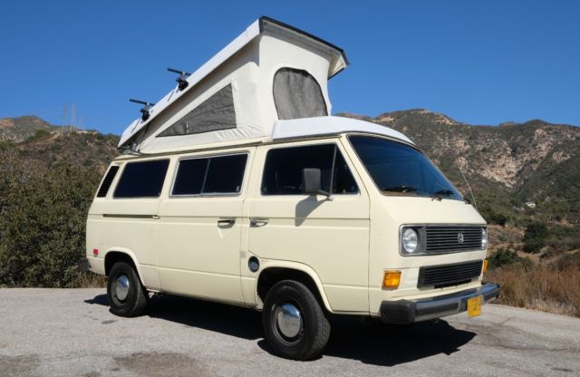 1984 Volkswagen Bus/Vanagon cream