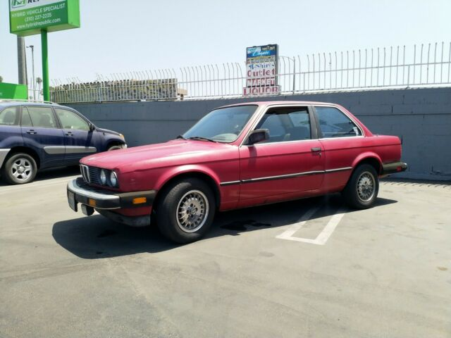 1985 Red BMW 3-Series Coupe with Black interior