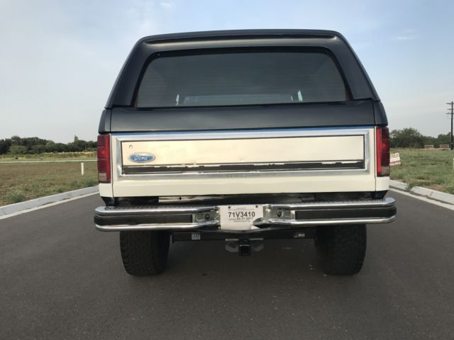 1985 Blue/White Ford Bronco XLT Bronco Removable Top with Blue interior
