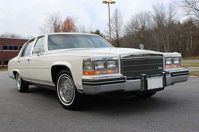 1985 Cadillac Brougham Fleetwood Brougham