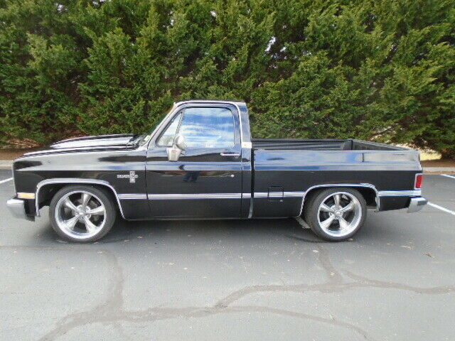 1985 CHEVY C10 SILVERADO SHORT BED PICKUP TRUCK for sale