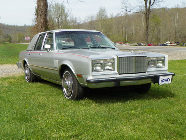 1985 Chrysler New Yorker Fifth Avenue