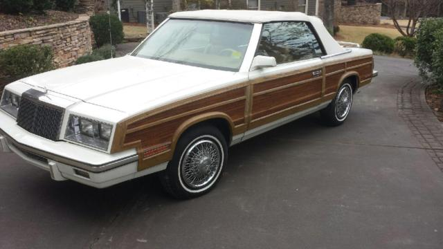 1985 Chrysler Town & Country Wood side