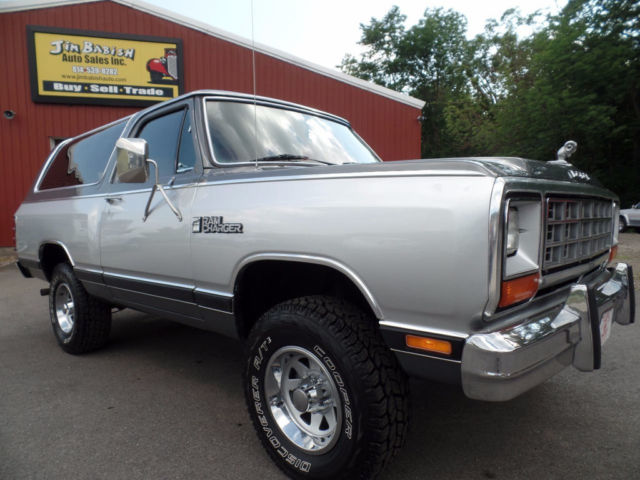 1985 Dodge Ramcharger 4x4 2-door SUV 4-speed manual Stick Shift