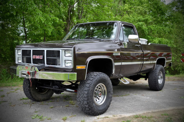 chevy 4x4 specifications with 153979 1985 Gmc Sierra 2500hd Absolutely Incredible Tons Invested 383 Stroker 4x4 on Sale together with Sale further 289802 1992 Chevy 4x4 1500 Regular Cab Short Bed Box as well 2001 Chevrolet Silverado 201500 JOHNSON 20CITY NY 226567401 likewise 11087.