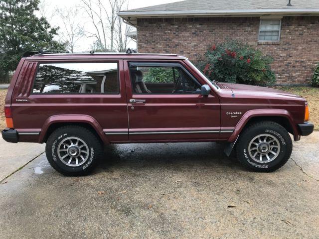 1985 Jeep Cherokee Sport Manual 2 Door 4X4 SUPER CLEAN!