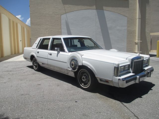 1985 lincoln town car signature series 1 owner 40k miles mint dont rh topclassiccarsforsale com 1986 Lincoln Town Car 1988 Lincoln Town Car