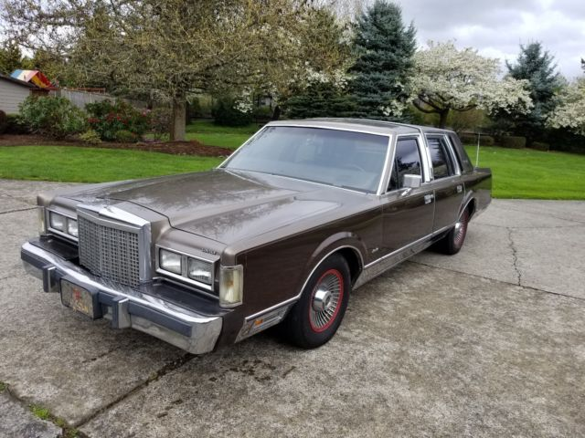1985 lincoln town car signature series for sale photos technical rh topclassiccarsforsale com 1977 Lincoln Town Car 1988 Lincoln Town Car