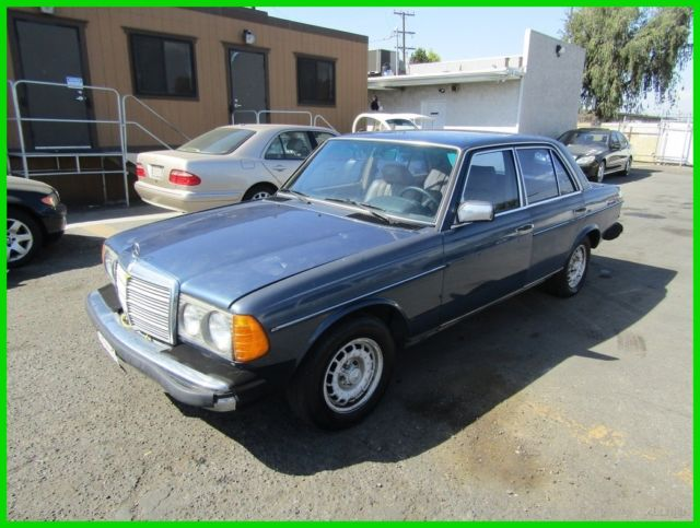 1985 Mercedes-Benz 300-Series 4 Dr Turbodiesel