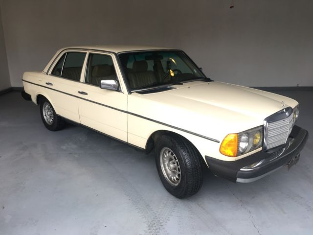 1985 Light Ivory  Mercedes-Benz 300-Series Sedan  with Palomino  interior