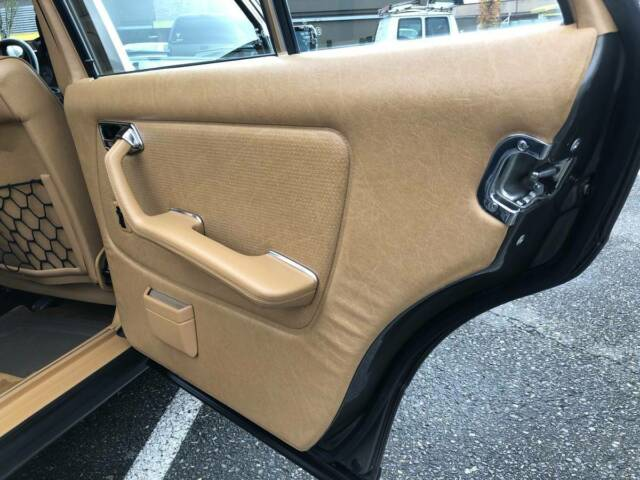 1985 Tan Mercedes-Benz 300-Series Sedan with Tan interior