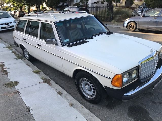 1985 Mercedes-Benz 300-Series 300TD Wagon