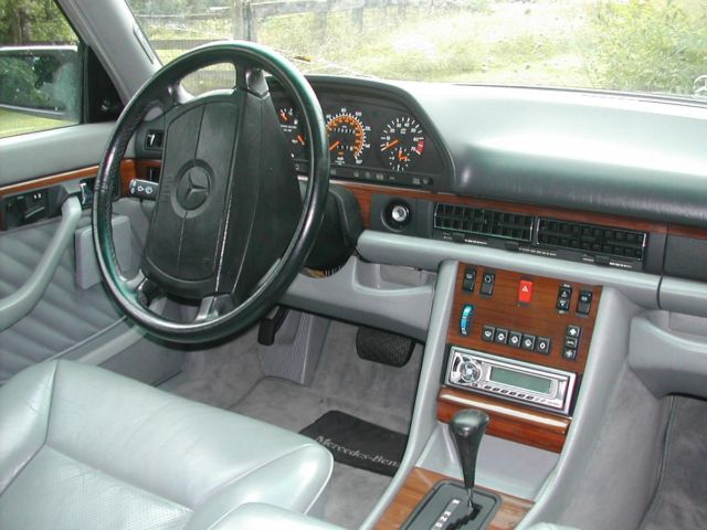 1985 Mercedes-Benz 300-Series SE