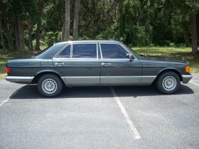 1985 Mercedes-Benz 500-Series Leather