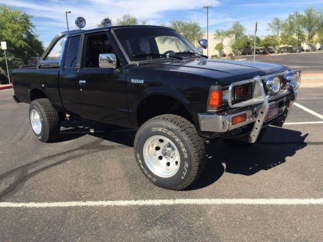 1985 Nissan Datsun 720 4x4 4WD ST model truck pickup for