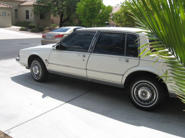 1985 Oldsmobile Ninety-Eight Broughm