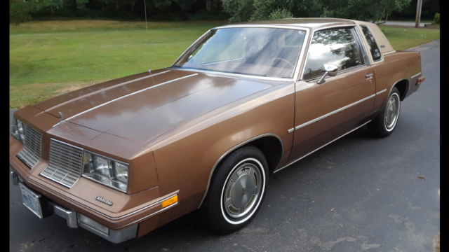 1985 Oldsmobile Cutlass Base Coupe 2-Door