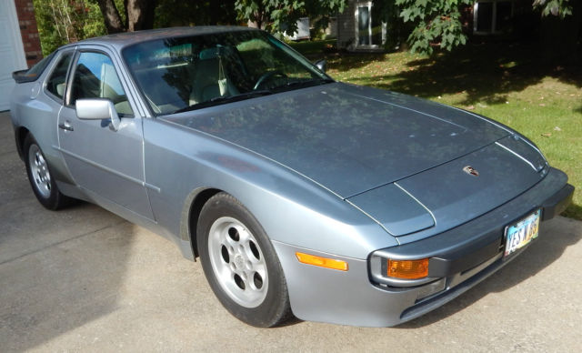 1985 Porsche 944 Base Coupe 2-Door