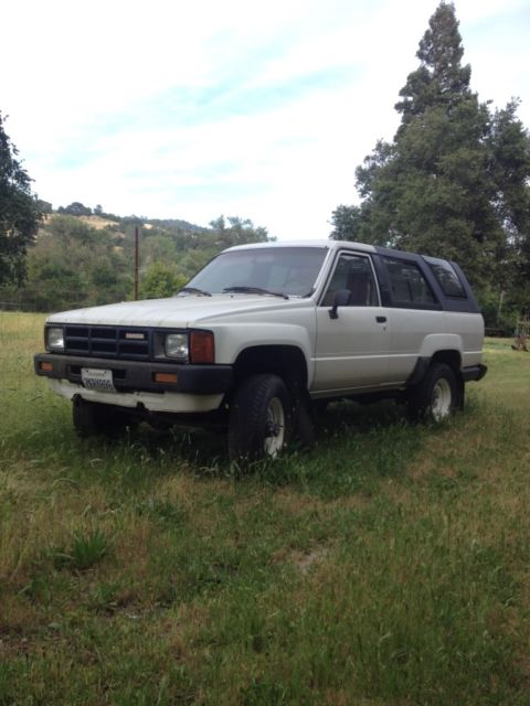 1985 TOYOTA 4RUNNER -- Solid Front Axle -- Fuel Injected -- White