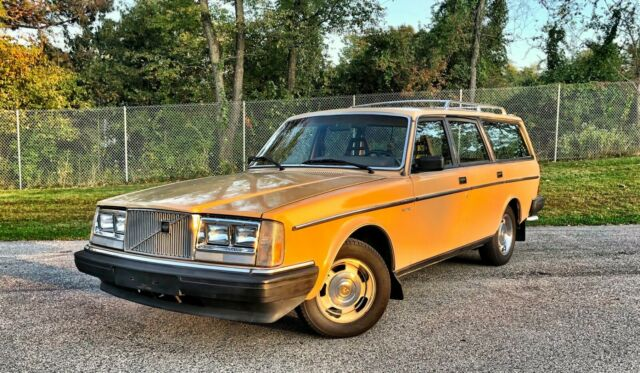 1985 Volvo 245 Wagon. Ultra-Low 67,000 mi. Beautiful Car. Serviced. NO RESERVE