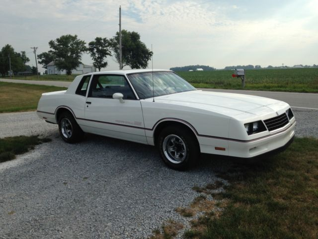 1985 White Chevrolet Monte Carlo SS for sale: photos, technical