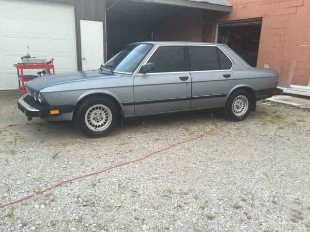 1986 BMW 5-Series Base Sedan 4-Door