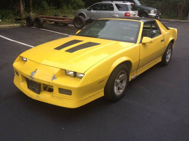 1986 camaro z28 t tops v8 iroc gts automatic yellow no. Black Bedroom Furniture Sets. Home Design Ideas