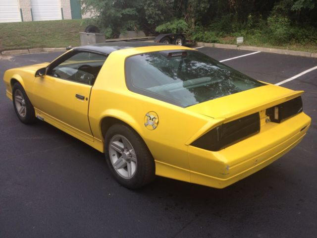 1986 camaro z28 t tops v8 iroc gts automatic yellow no accidents 3k miles for sale photos. Black Bedroom Furniture Sets. Home Design Ideas
