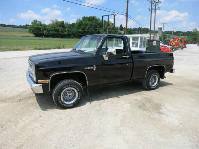 1986 Chevrolet C10 Custom Deluxe 4x4 Pick Up Truck V 8 24196 Miles Very Nice For Sale