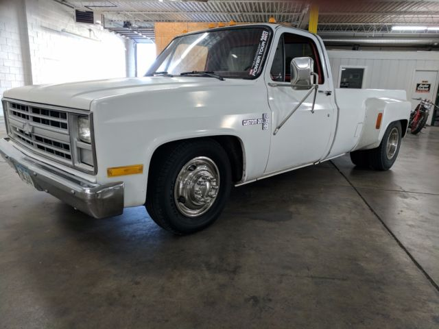 1986 Chevrolet C30 Dually 454 4-speed Lowered No-air Great