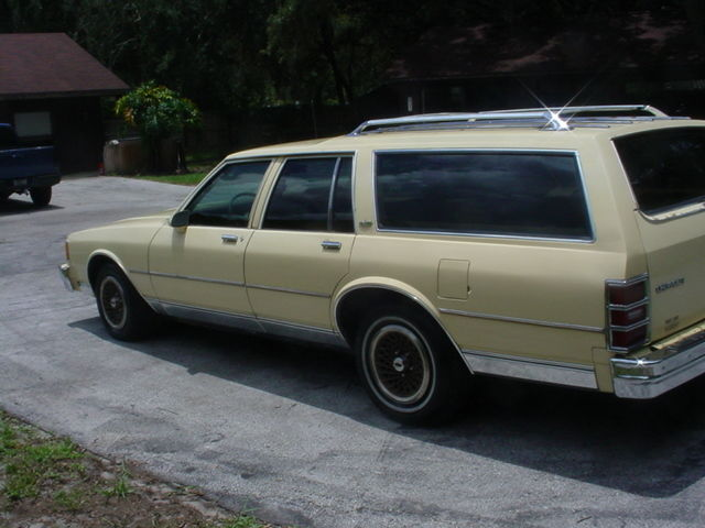 1986 chevrolet caprice station wagon for sale photos technical specifications description. Black Bedroom Furniture Sets. Home Design Ideas