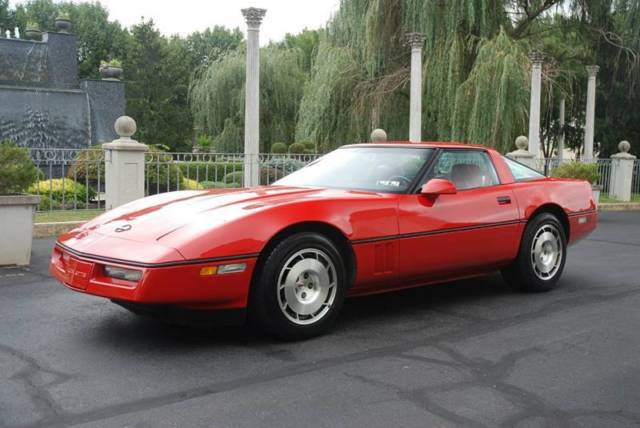 1986 Chevrolet Corvette Base 2dr Hatchback