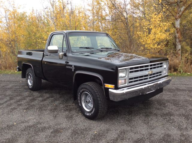1986 Chevrolet C/K Pickup 1500 CUSTOM DELUXE