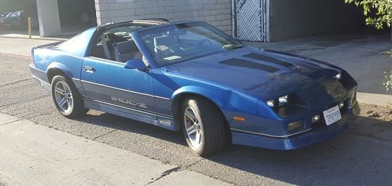 1986 classic chevrolet camaro iroc z28 t top only15 000. Black Bedroom Furniture Sets. Home Design Ideas