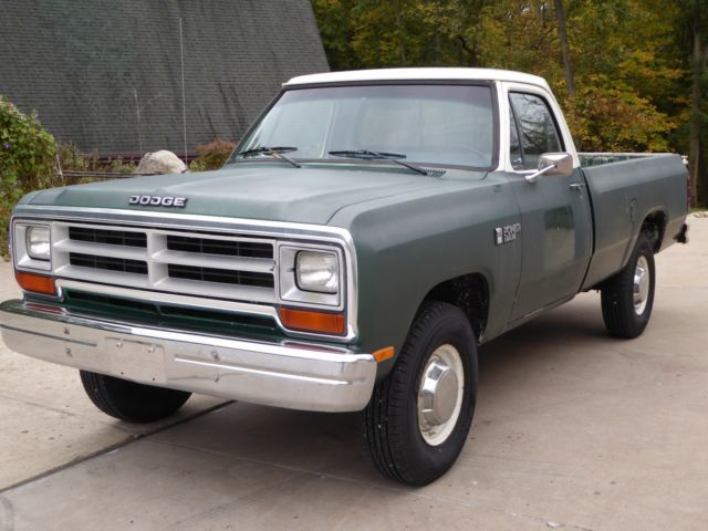 1986 dodge 250 custom 4 wheel drive pickup truck 360 motor manual transmission for sale photos. Black Bedroom Furniture Sets. Home Design Ideas