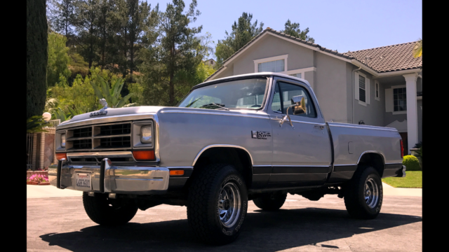 1986 Dodge Ram 1500 4x4 short bed