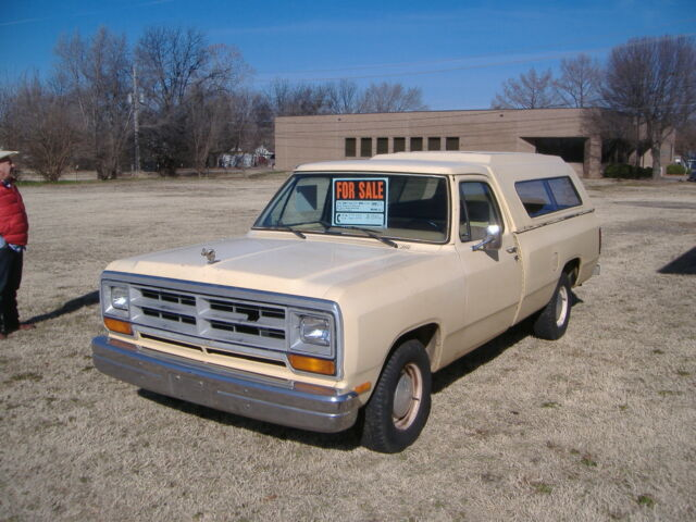 1986 Dodge Ram Pickup Truck 8 Ft Bed 6 Cyl 4 Sd Needs Rear End