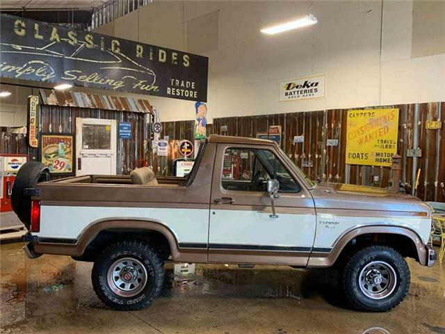 1986 Ford Bronco XLT 2dr 4WD SUV