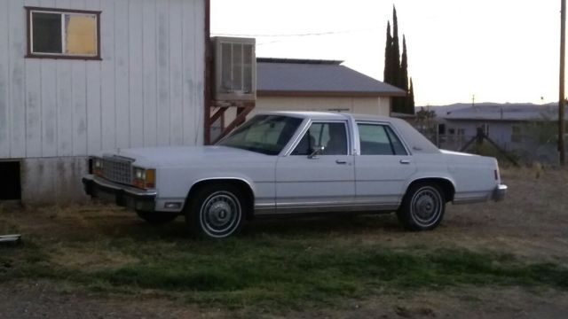 1986 Ford Crown Victoria
