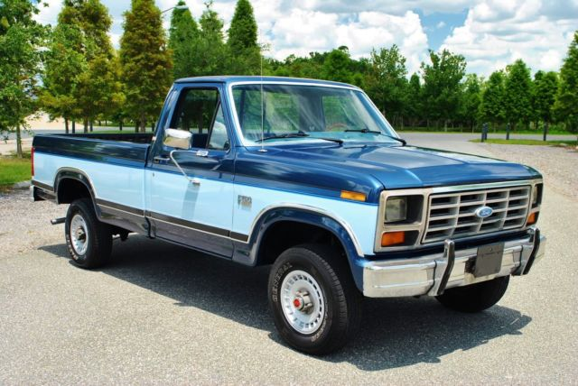 1986 Ford F-150 XLT Lariat 4x4 75,044 Actual Miles! Clean Carfax!