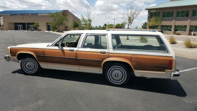 1986 Ford Crown Victoria LX Country Squire Wagon