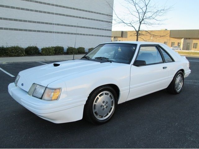 1986 ford mustang svo turbo 5 speed white rare find well maintained runs great for sale photos. Black Bedroom Furniture Sets. Home Design Ideas